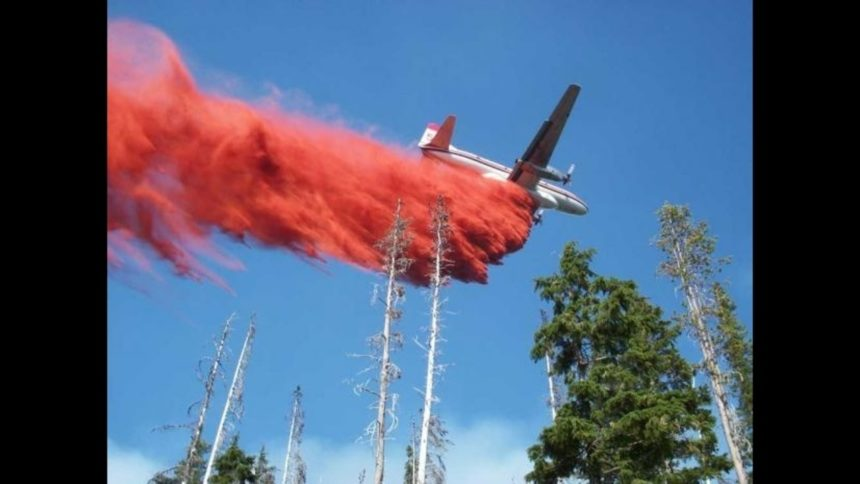 Air tanker retardant drop