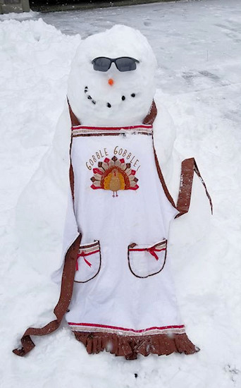 First Bend snowman Heidi Burkhardt 1127