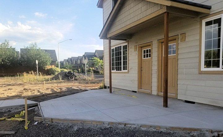Duplex in northeast Bend