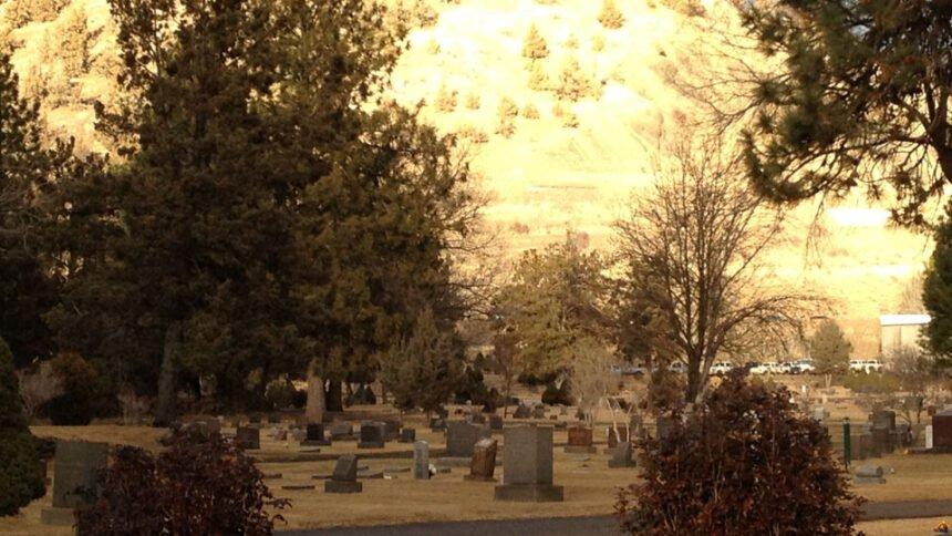 Pilot Butte Cemetery Visit Bend