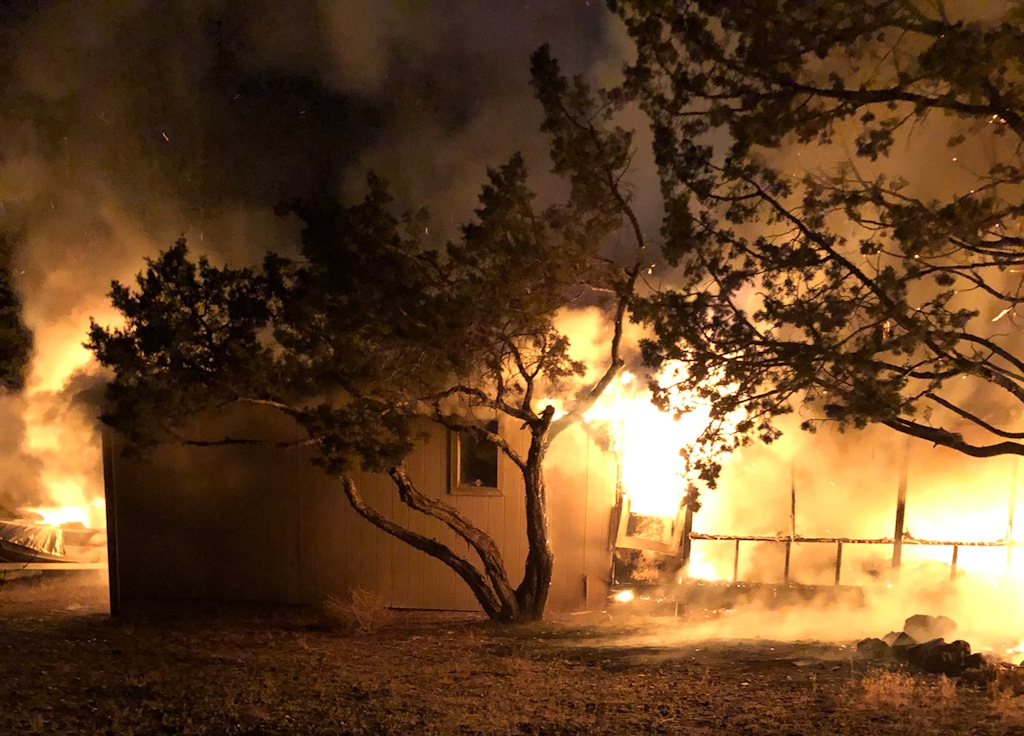 Fire destroys mobile home at Crooked River Ranch; no ...