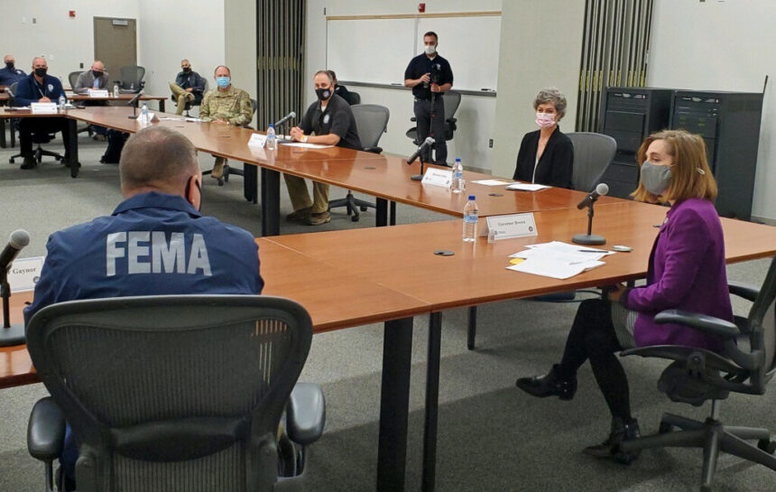 Gov. Brown meets with FEMA administrator 1004