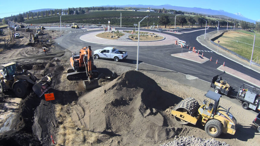 Old Bend-Redmond Hwy Tumalo Road roundabout 1016