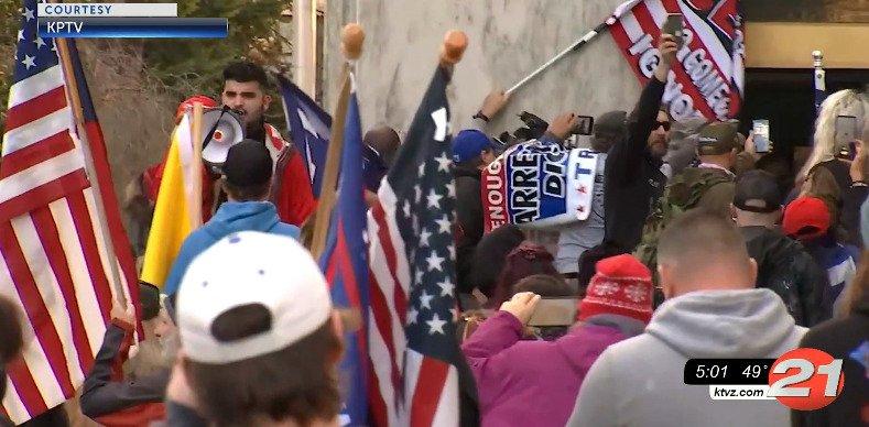 Oregon Capitol protest KPTV 1221