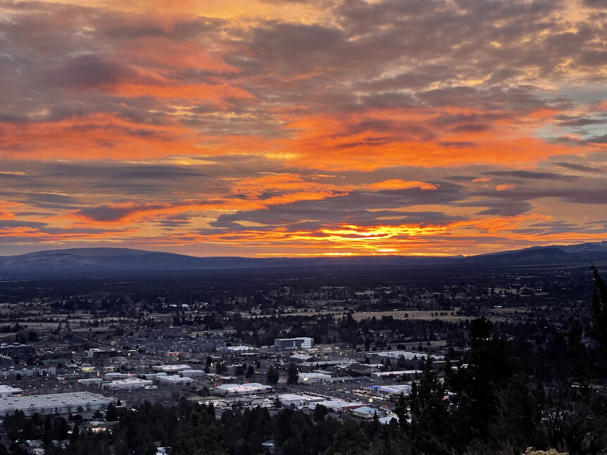Bend New Year's sunrise Pilot Butte Luke Martin