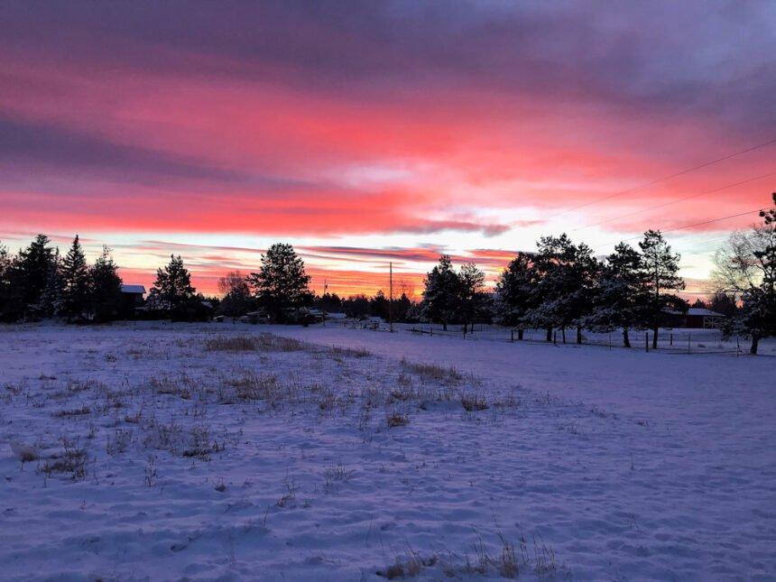 NW Bend sunrise Tom N 124