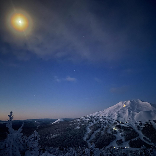 Mt. Bachelor 6am view from Tumalo Mtn Justin Lair