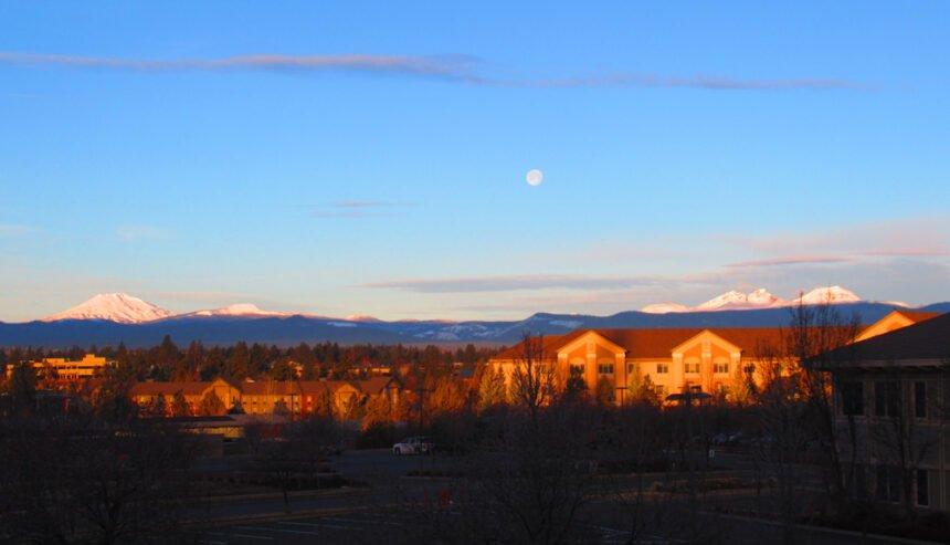 Sunrise full moonset Johnny Oliver 228