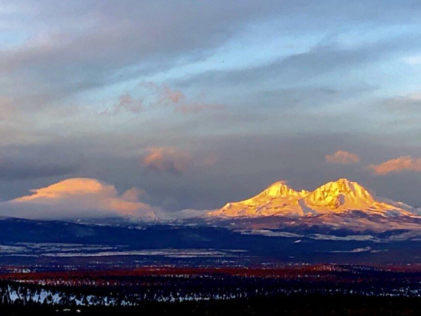 Three Sisters sunrise from Eagle Crest Larry Hayward 127
