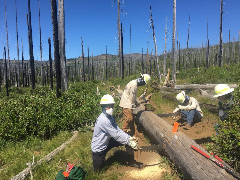 Central Oregon Youth Conservation Corps members wore masks during 2020 operations
