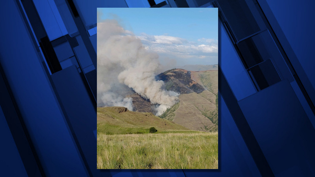Joseph Canyon Fire burns Sunday in NE Oregon, SE Washington