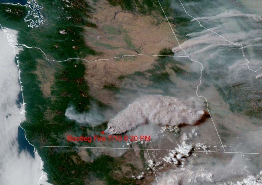 Bootleg Fire satellite image NW IMT Team 10 710