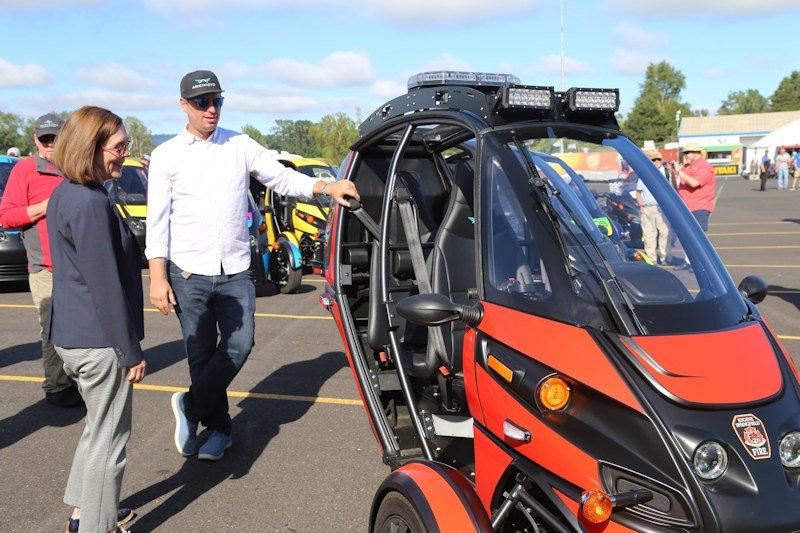 Oregon Gov. Kate Brown visits Eugene electric vehicle maker Arcimoto