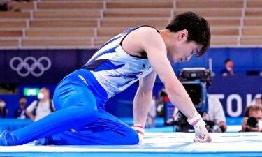 Uchimura falls off high bar