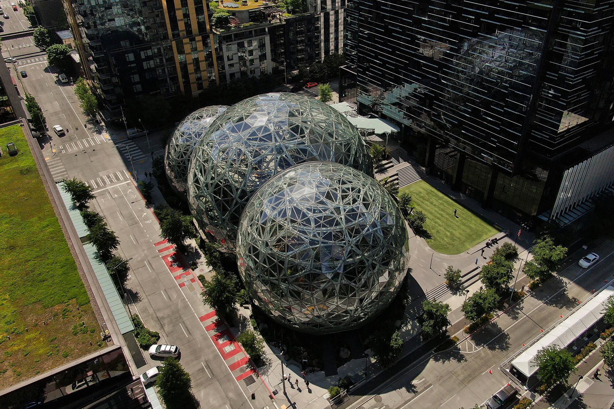 <i>David Ryder/Getty Images</i><br/>Amazon has hired outside investigators to probe the internal culture of part of its cloud computing operations after employees circulated a petition alleging