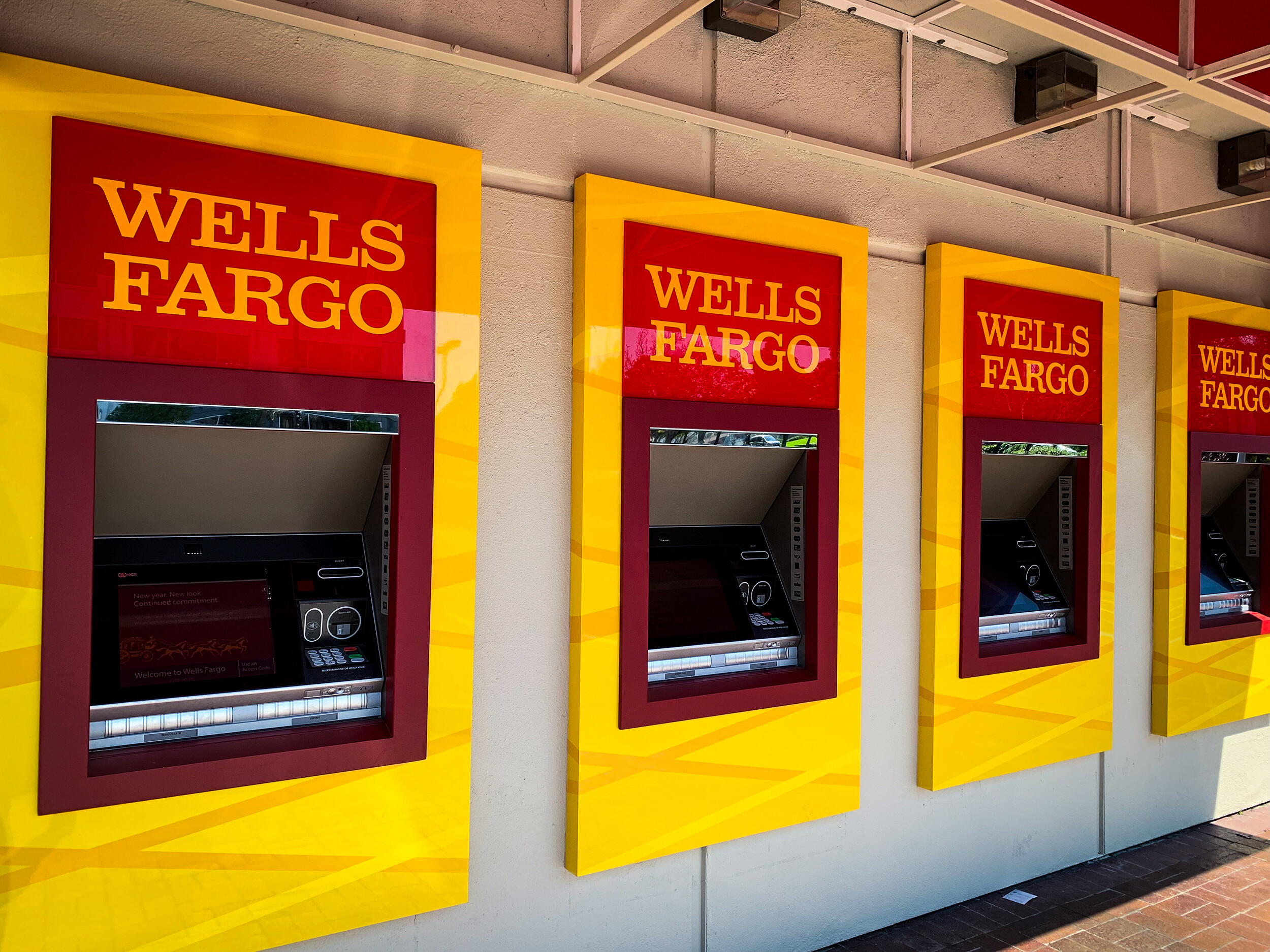 Wells Fargo is closing all personal lines of credit - KTVZ