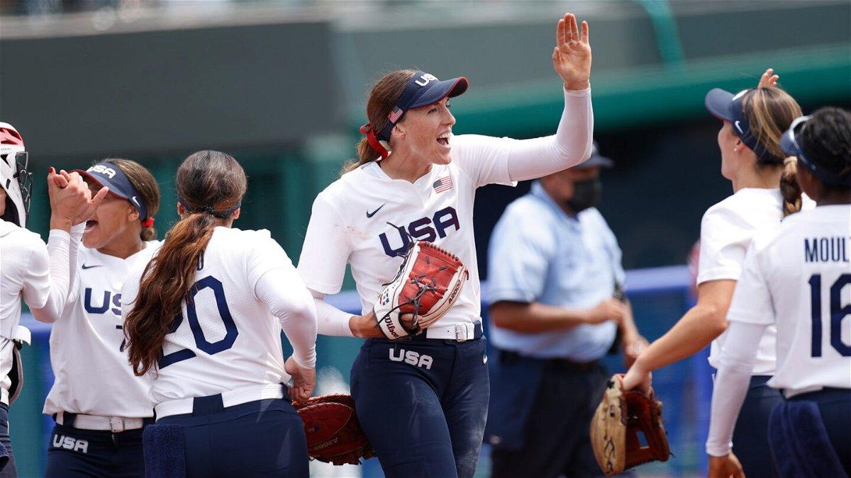 Monica Abbott one-hits Canada as U.S. wins 2nd prelim game
