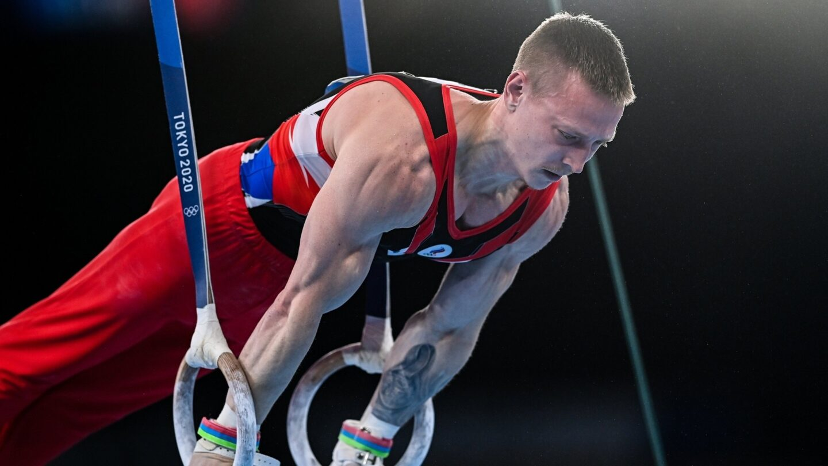 Denis Abliazin demonstrates mastery in rings