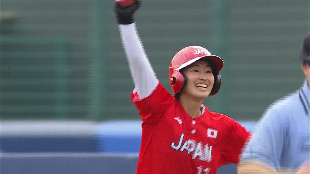 Japan's Atsumi Mana slaps walk-off RBI against Mexico