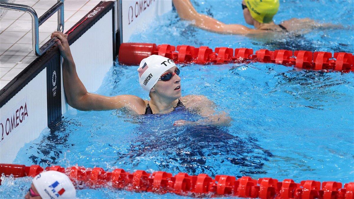 Katie Ledecky wins 200m freestyle heat